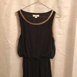 Black chiffon hi/low sleeveless dress